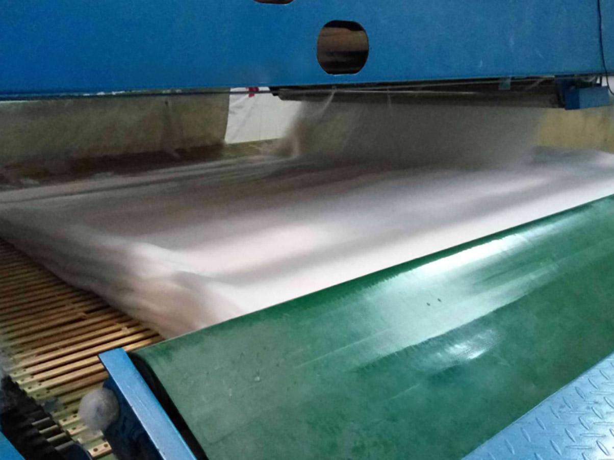 产品特点-熔喷布制备