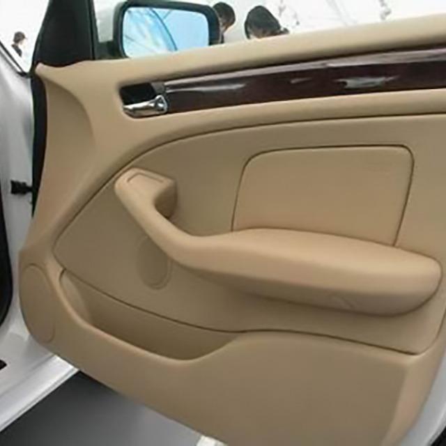 生产汽车内门把手,到底用什么材料好?