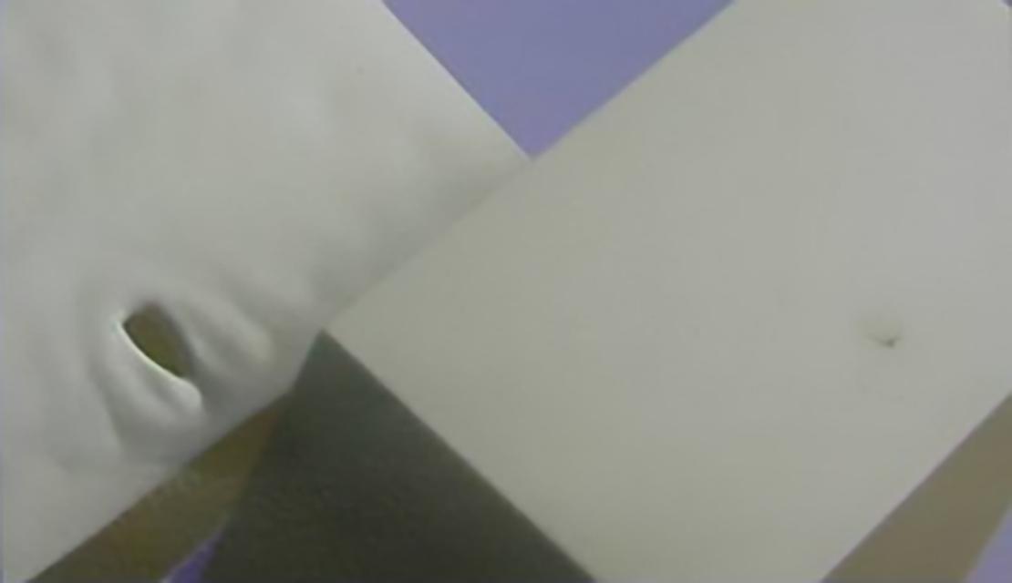 076-注塑缺陷烧焦的样例3-流动波峰汇合处烧焦
